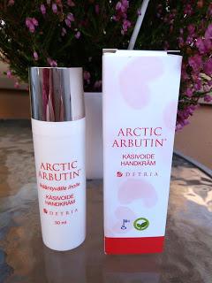 Kultainen Kynsilakka joulukuu 2015 Arctic Arbutin